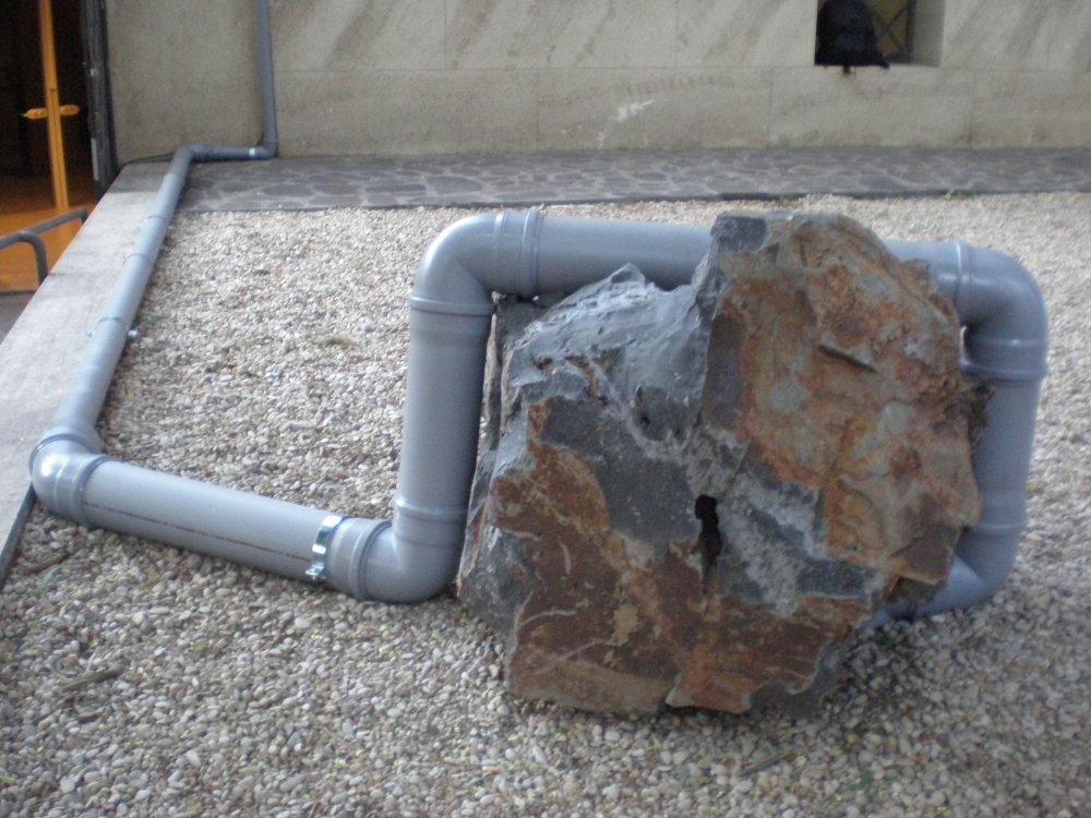 Jimmie Durham installation